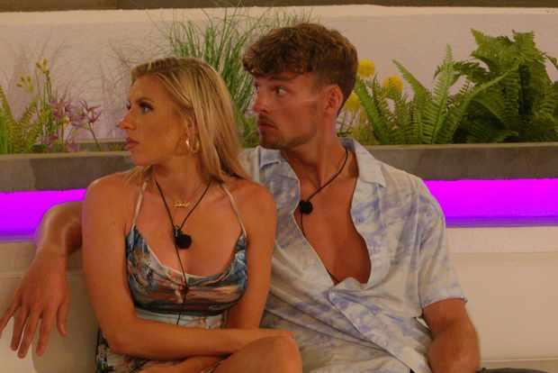 Chloe and Hugo in Love Island