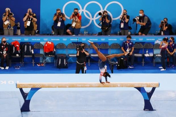 Simone Biles wins bronze medal in Tokyo 2020 Olympics beam final
