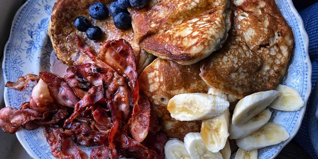 Pancakes, bacon and fruit