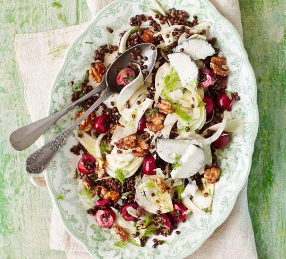 Fennel, cherry & goat's cheese salad with lentils