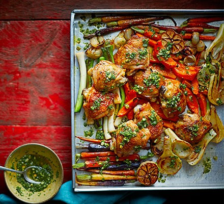 5-a-day chicken with kale & pistachio pesto served in a baking tray