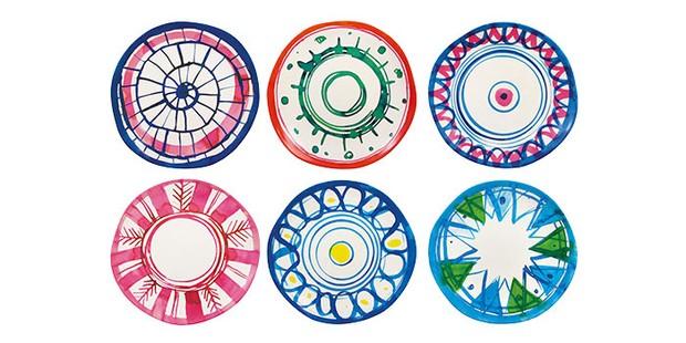 Anouk bamboo plates on white background