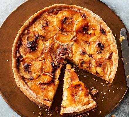 Almond & apple tart 2016