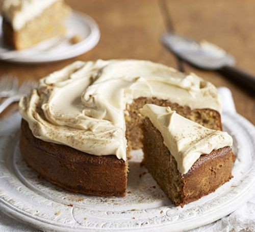 Apricot, spelt cake with icing