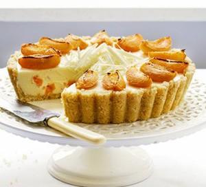 White chocolate and apricot cheesecake