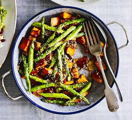 Roasted sesame sweet potatoes & asparagus