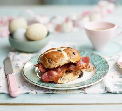 Hot cross bun bacon butties
