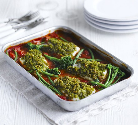 Baked fish with tomatoes, basil & crispy crumbs