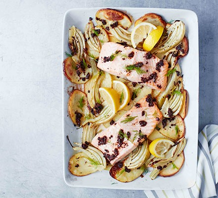 Baked salmon with potatoes & fennel