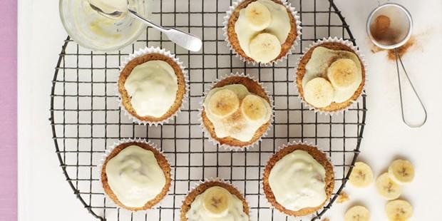 Fairy cakes with banana slices