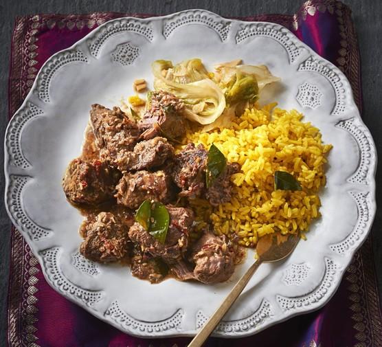 Beef rendang & turmeric rice