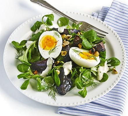 Roasted beetroot & egg salad
