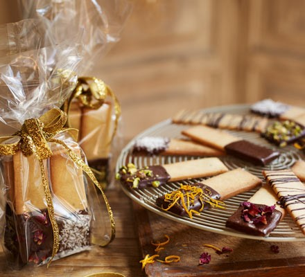 Cardamom & pistachio biscuits
