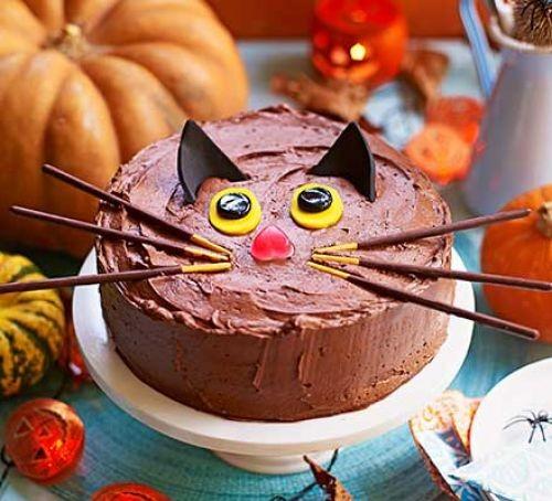 Black cat chocolate cake