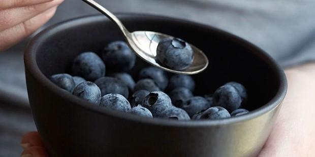 Blueberries in black bowl