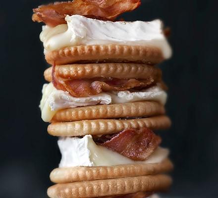 Cheese & bacon s'mores
