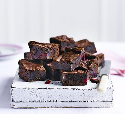 Vegan cherry & almond brownies
