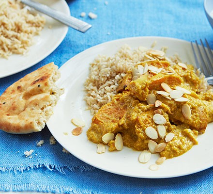 Butternut korma with a mini naan served alongside
