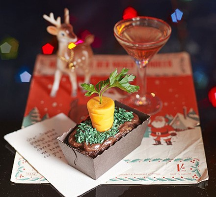 Rudolph's carrot patch cakes