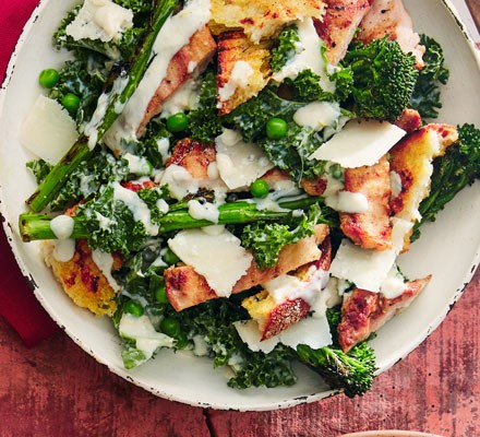 Chicken, broccoli and kale in bowl