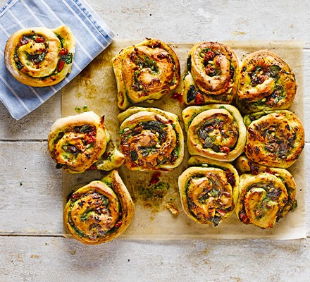Cheese & pesto whirls