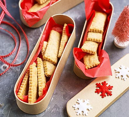 Cheese & rosemary biscuits in a decorative box