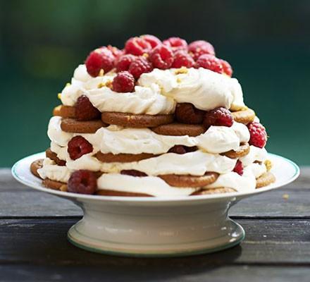 Easy raspberry & ginger trifle cheesecake