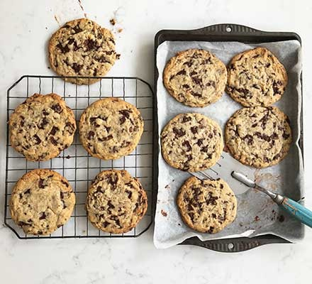 Chewy chocolate chip cookies recipe - BBC Good Food