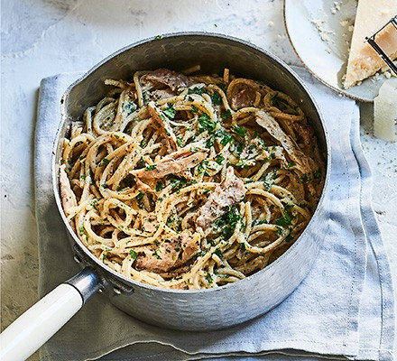 Nutty chicken & lemon spaghetti in a saucepan
