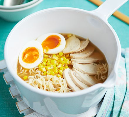 Chicken & sweetcorn ramen in a white saucepan