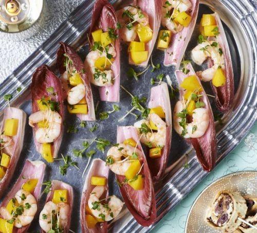 Chicory recipes: Chicory cups with prawns & mango