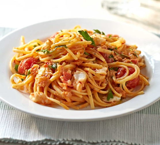Chilli crab & cherry tomato linguine