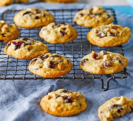 Choc chunk, cashew & cranberry cookies