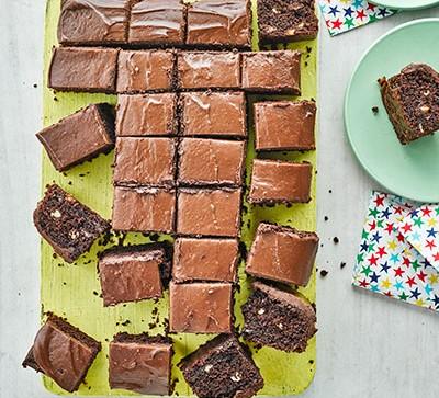 Chocolate chip traybake