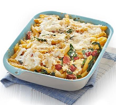 Chorizo, ricotta & spinach pasta bake