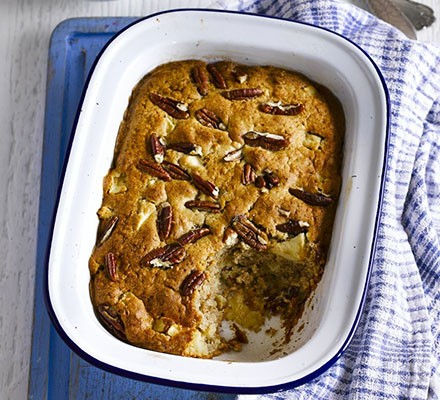 Cinnamon apple pecan pudding