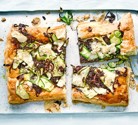 Courgette & caramelised red onion tart