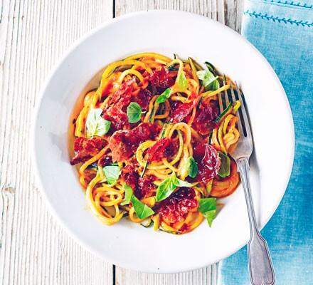 Creamy tomato courgetti