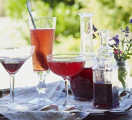 Blackberry liqueur (Crème de mûre)