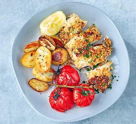 A blue plate serving crunchy garlic chicken