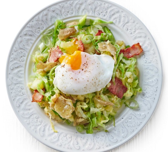 Crushed potato colcannon with bacon & poached eggs