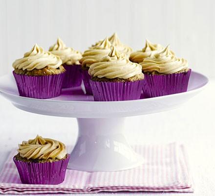 Vegan cupcakes with banana & peanut butter