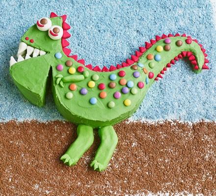 Snappy dinosaur cake