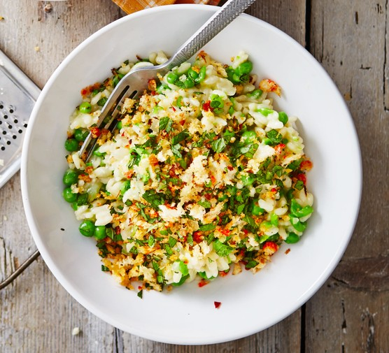 Easy peasy risotto with chilli & mint crumbs