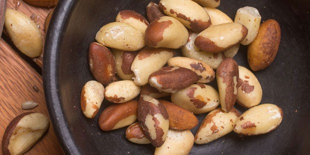 Brazil nuts in a bowl