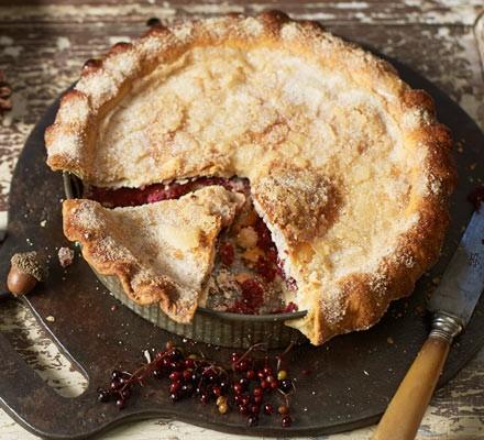 Elderberry & almond pie 2016