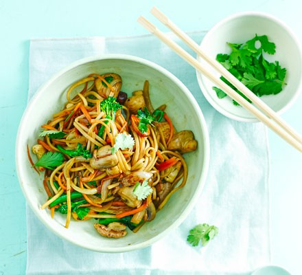 Veggie noodles with ginger & tamari