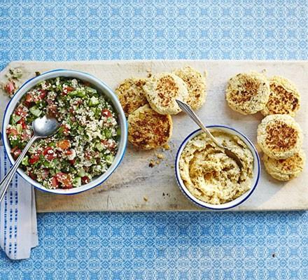 Falafels with hummus & tabbouleh