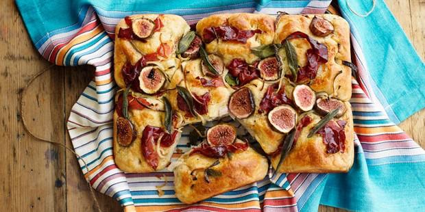 Fig & Serrano ham picnic bread