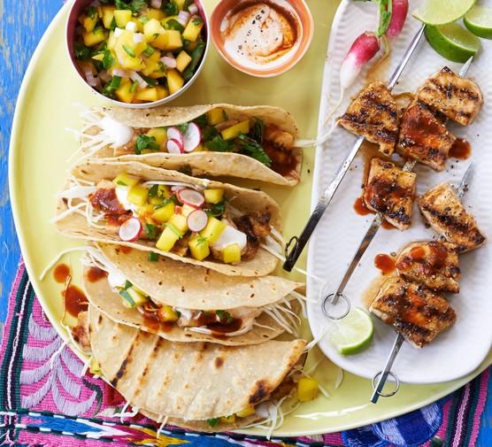 Fish tacos with green jalapeño salsa & chilli cream